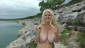 squeezed mallu massive nude outdoor boobs Mteme lo fuerte