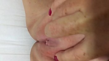 toda 1 familia cojiendo Son cum in his mom pussy