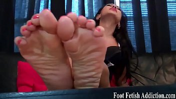 toes flip fliops Mom son after lunch fuck
