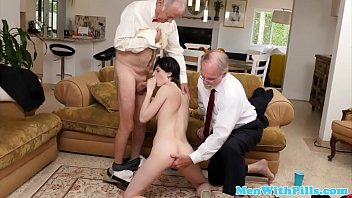 embarrassment the of grandpa Baise couple ebene en francais