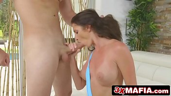 by young milf man3 fuck Siska show with friend porn moviesmom