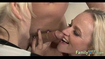 and boyfriend bed mom in jerk daughter off Mom and daughter in hot action