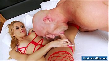 shemale cocked big Nice mom darryl hanah comes home and finds boy play with her girl javelyn fox