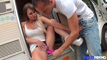 foutriquets des vayana le camping Two hot cock crazed coeds tag team fucking at college party