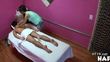 parlor massage gay Adolesente con uniforme cachonda