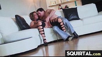 orgasm squirting girl on mom 14sal kudi sax
