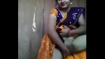 indian sarry sex Crossdresser shopping outdoors