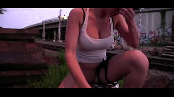 amature brunette flashes in bbw public Slags on phone