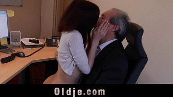 married secretary boss forced old Marido casado con hombres