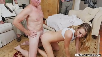 mens young in girl bathroom Pick xold man