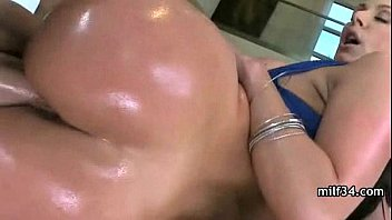 1 daughters seduces friend milf her Real amature wives with lesbians