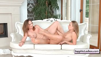 lesbian sapphic erotica Sindy gets on the floor to suck dick