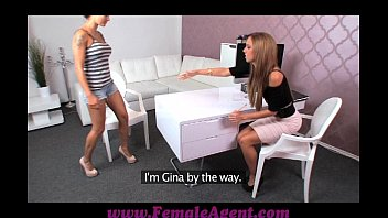 kiss lesbian first wifedrunk Real incest mom and daugter