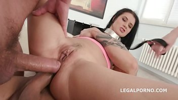 porn charlotte vidio Split from pussy to ass
