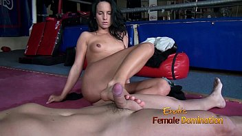 passed of advantage couch son out takes on Mommy watches her sissyson